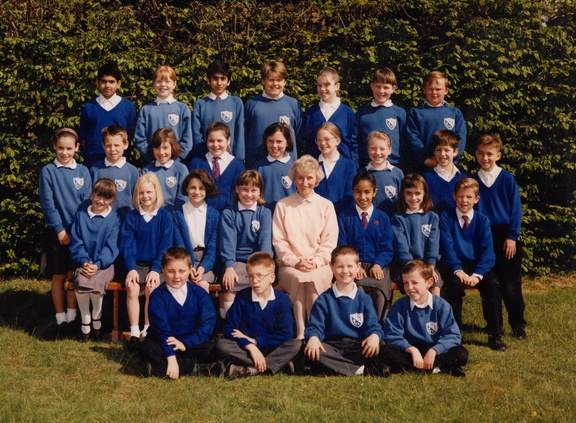 Farnham Royal Church of England Combined School. Mrs Penhale's class of 1992